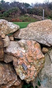 M Stone PegmatiteBlockIs